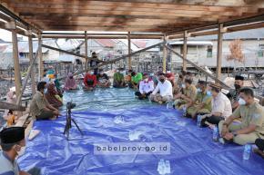 Gubernur Kunjungi  Warga Korban Kebakaran Jelutung II