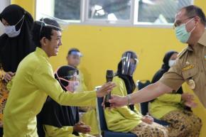 Kunjungi Murid Sekolah Luar Biasa Tanjung Pandan, Gubernur Erzaldi : Saya Suka Mereka