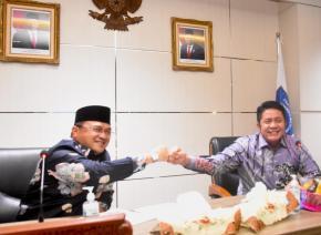 Tos Tangan Dua Gubernur Tandai Kesepakatan Titik Jembatan Sumatera - Babel
