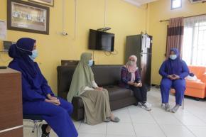 Tenaga Kesehatan Wisma Karantina Curhat Pada Melati Erzaldi: Saya Lelah