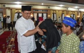 Gubernur Buka Puasa Bersama dan Santuni Anak Yatim