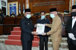 Gubernur Erzaldi Rosman Sampaikan Raperda Pertanggungjawaban APBD Tahun 2019