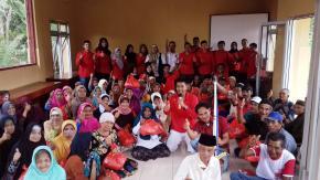 Mahasiswa KKN STIH Pertiba Pangkalpinang Peduli Lansia dan Masjid